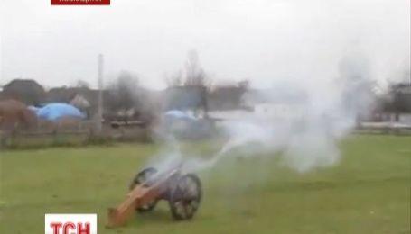 На Львівщині двоє хлопців підірвалися на саморобній гарматі