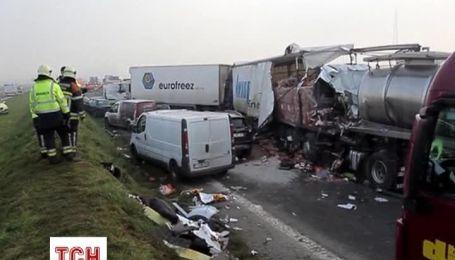 В Бельгии столкнулись сразу 100 автомобилей