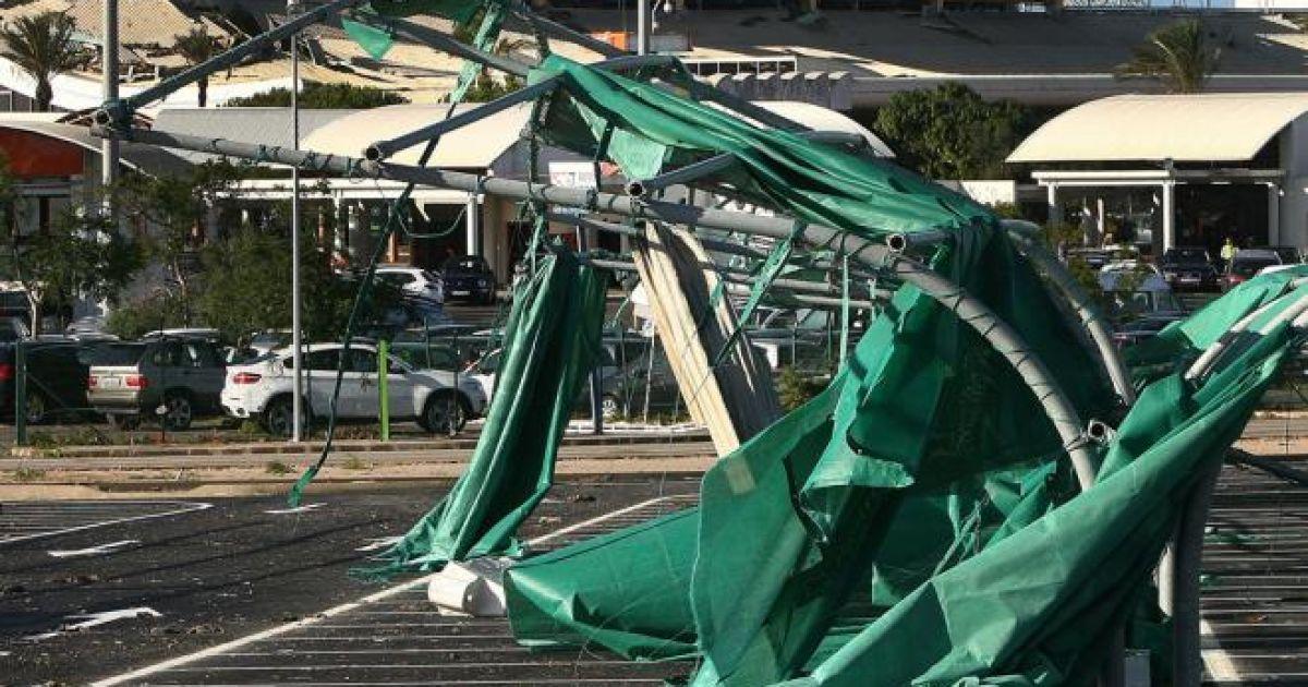 Шторм зірвав дах з другого за величиною аеропорту Португалії @ tvi24.iol.pt