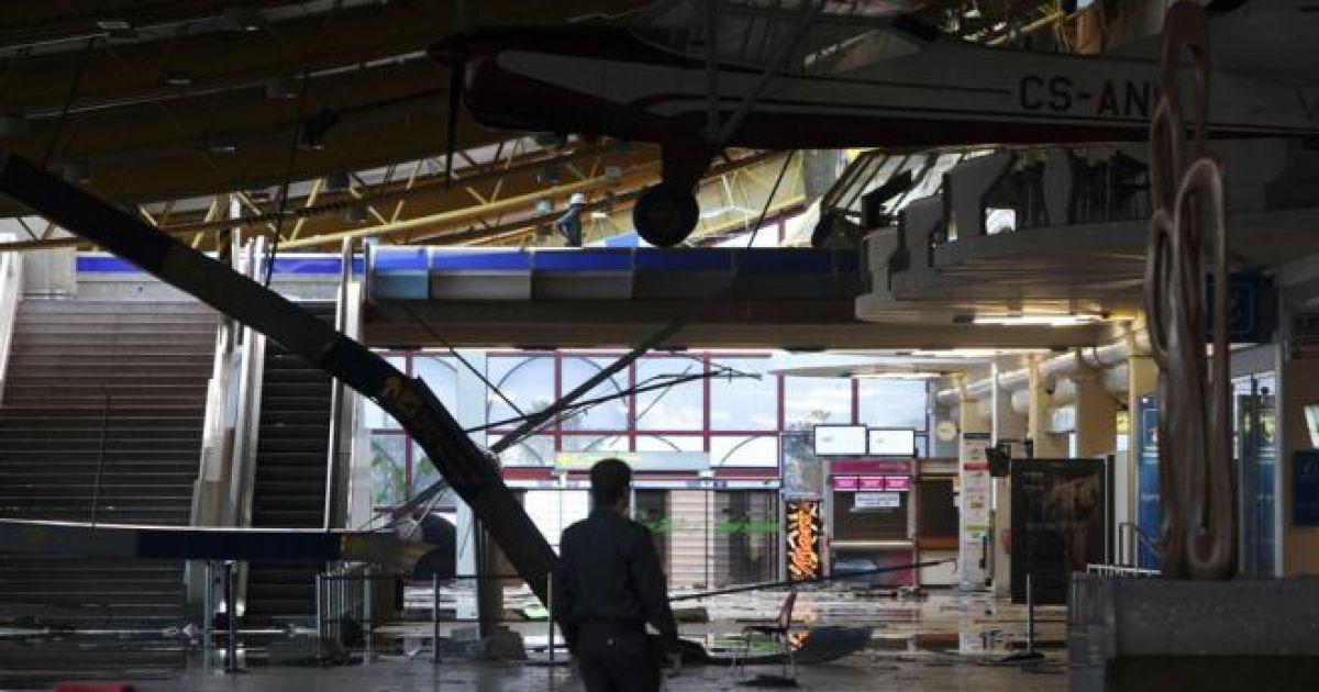 В результаті інциденту постраждали п'ятеро людей – четверо працівників та один турист. @ tvi24.iol.pt