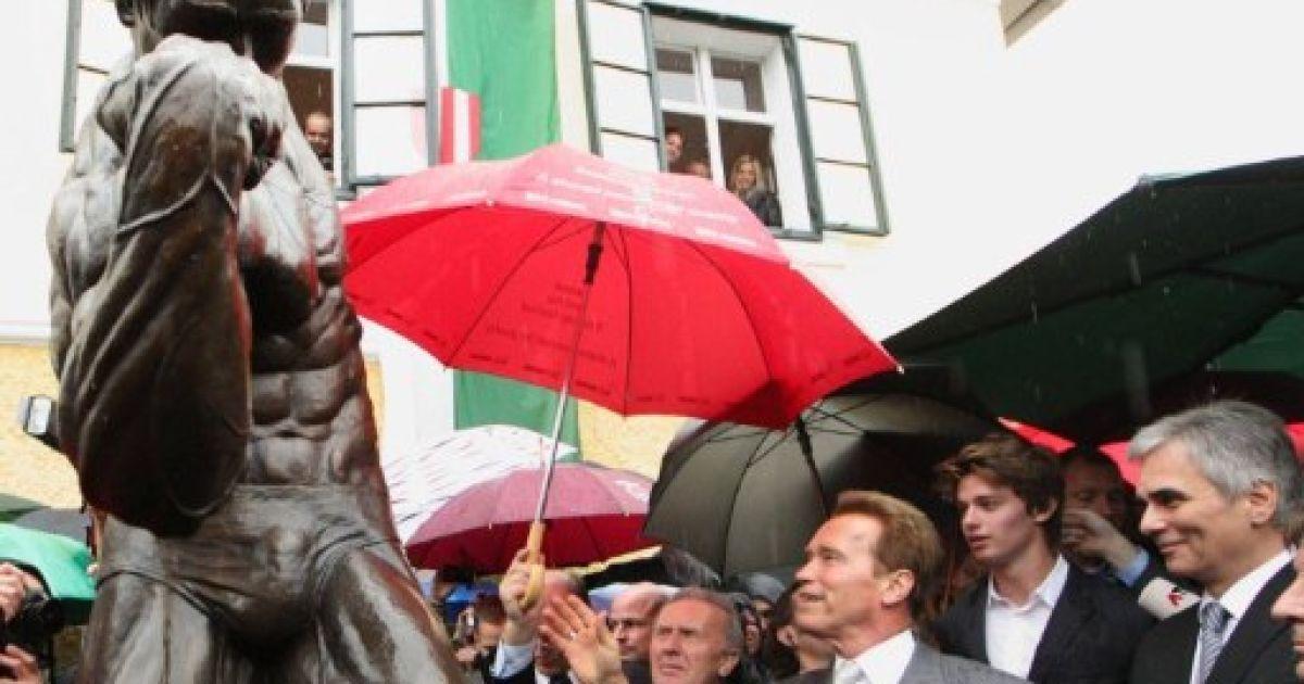 На батьківщині Арнольда Шварценеггера в Австрії відкрили його музей-будинок та бронзовий пам'ятник @ AFP