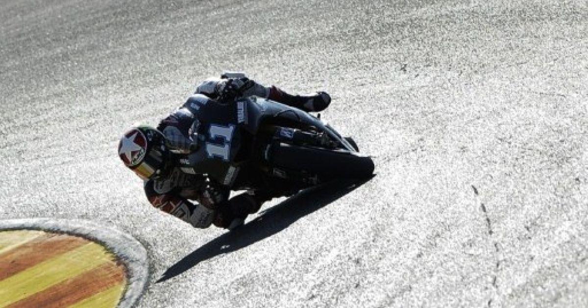 Іспанія, Сесте. Американський мотогонщик Yamaha Factory Racing Бен Спіс бере участь у тренуванні перед гонкою Moto GP на треку Рікардо Тормо. @ AFP