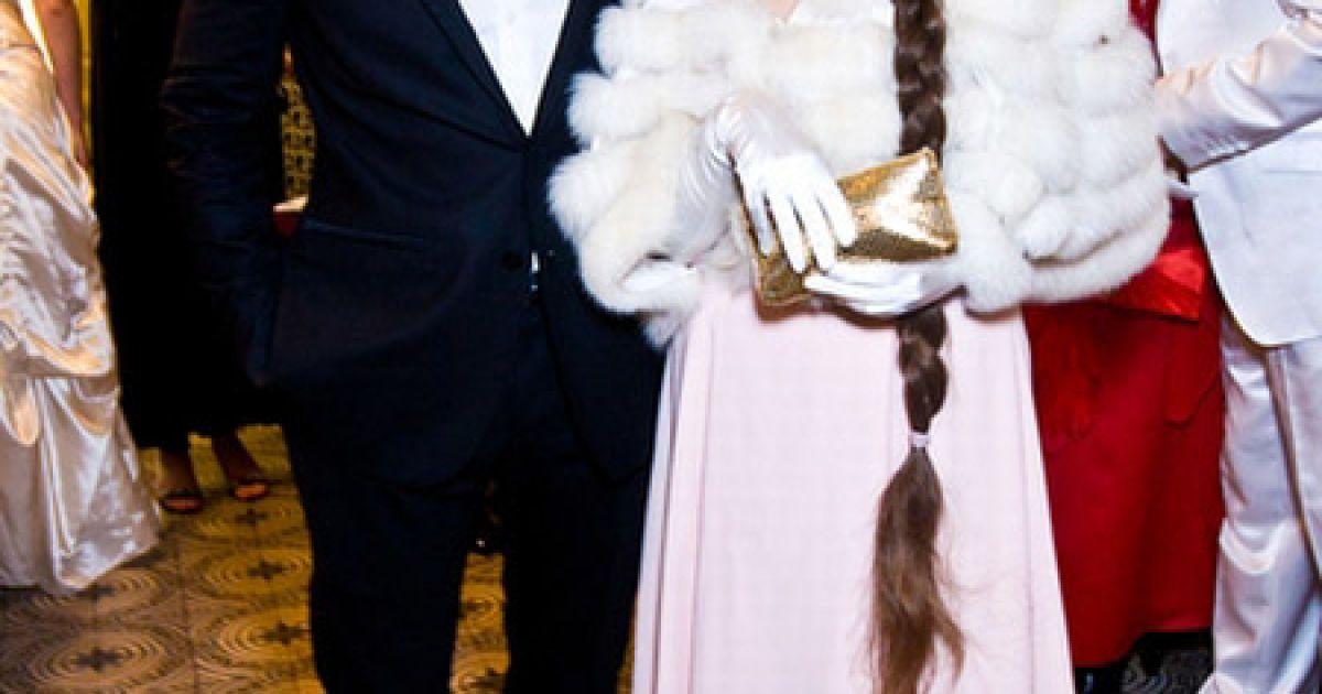 Співак Андрій Кравчук тусив на балу з письменницею Ладою Лузіною. @ Main People