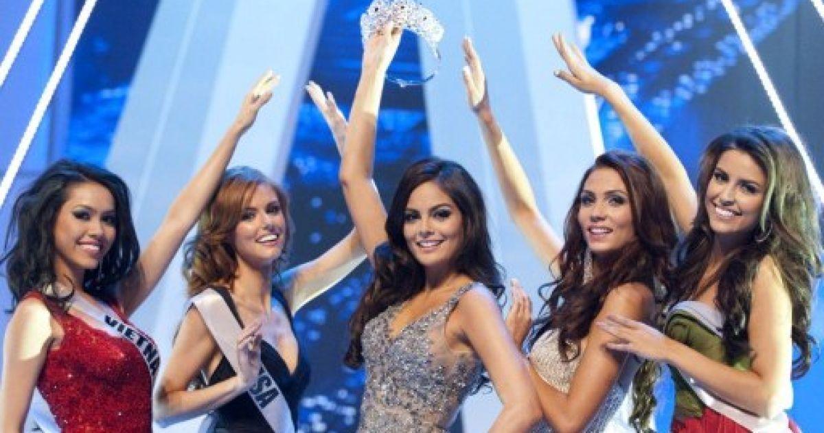 """Представниця Анголи Лейла Лопес отримала титул """"Міс Всесвіт"""" @ AFP"""