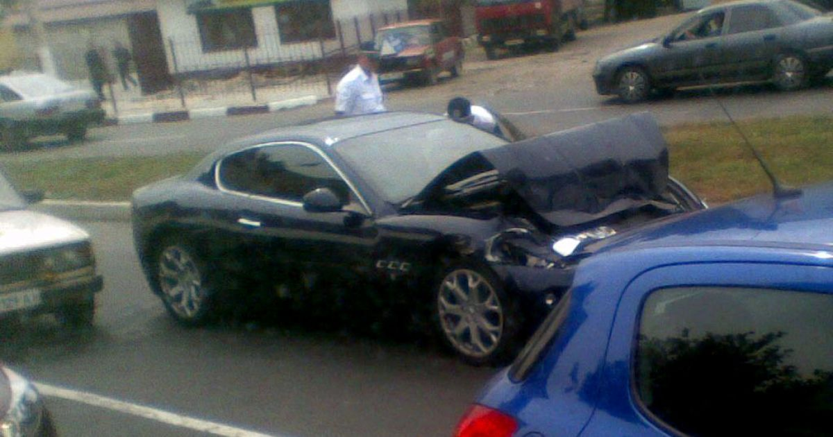 Побита Maserati футболіста Селезньова @ zombanbaradueff.livejournal.com