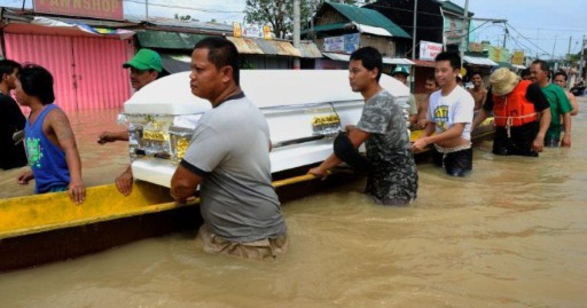 Тайфуни на Філіппінах забрали більше 100 життів @ AFP
