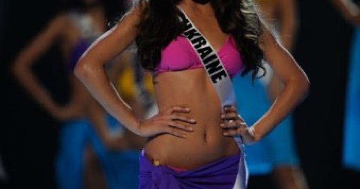 "Олеся Стефанко посіла друге місце на ""Міс Всесвіт-2011"" @ AFP"