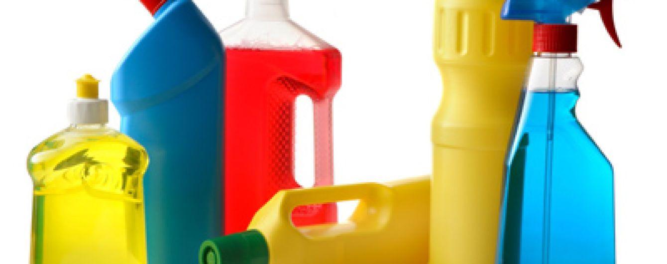 Легені як в курця. Чим небезпечні мийні засоби і як захиститися під час прибирання
