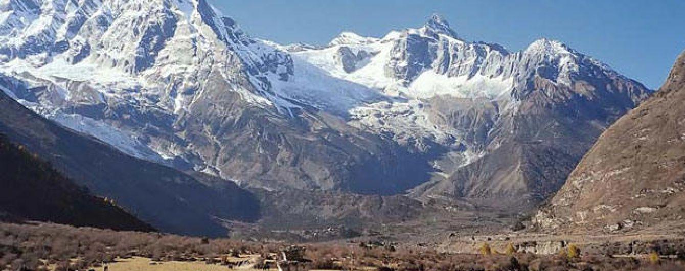 В Гималаях почти через месяц после исчезновения нашли тела семи альпинистов
