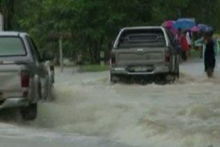 В результате наводнения в Таиланде погибли 70 человек