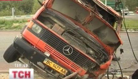 18 человек пострадали в аварии во Львове
