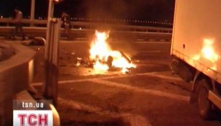 Аварія на столичному мосту імені Кірпи