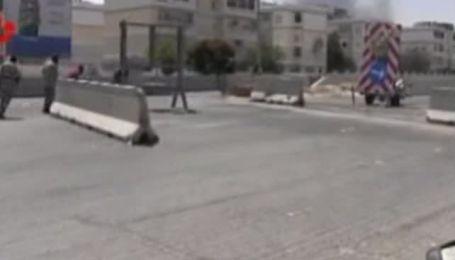 Силы Каддафи обстреляли территорию Триполи