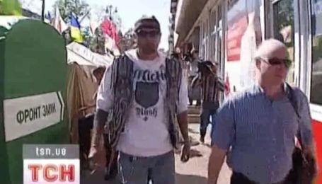 Шон Карр пришел поддержать Юлию Тимошенко