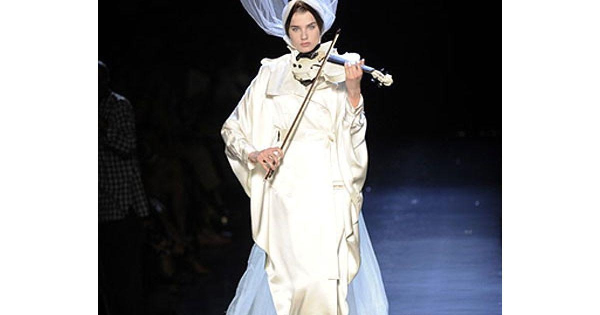"""За версією Готьє """"нова парижанка"""" має бути самодостатньою, але дуже жіночною. @ AFP"""