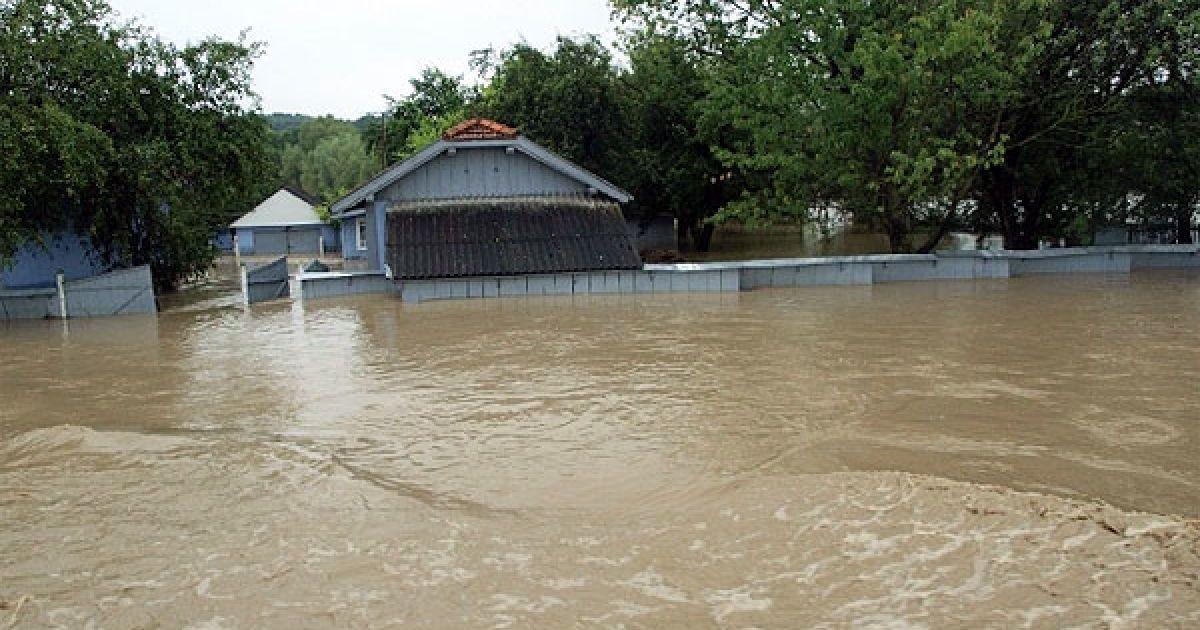 Як запобігти паводкам у Карпатах?