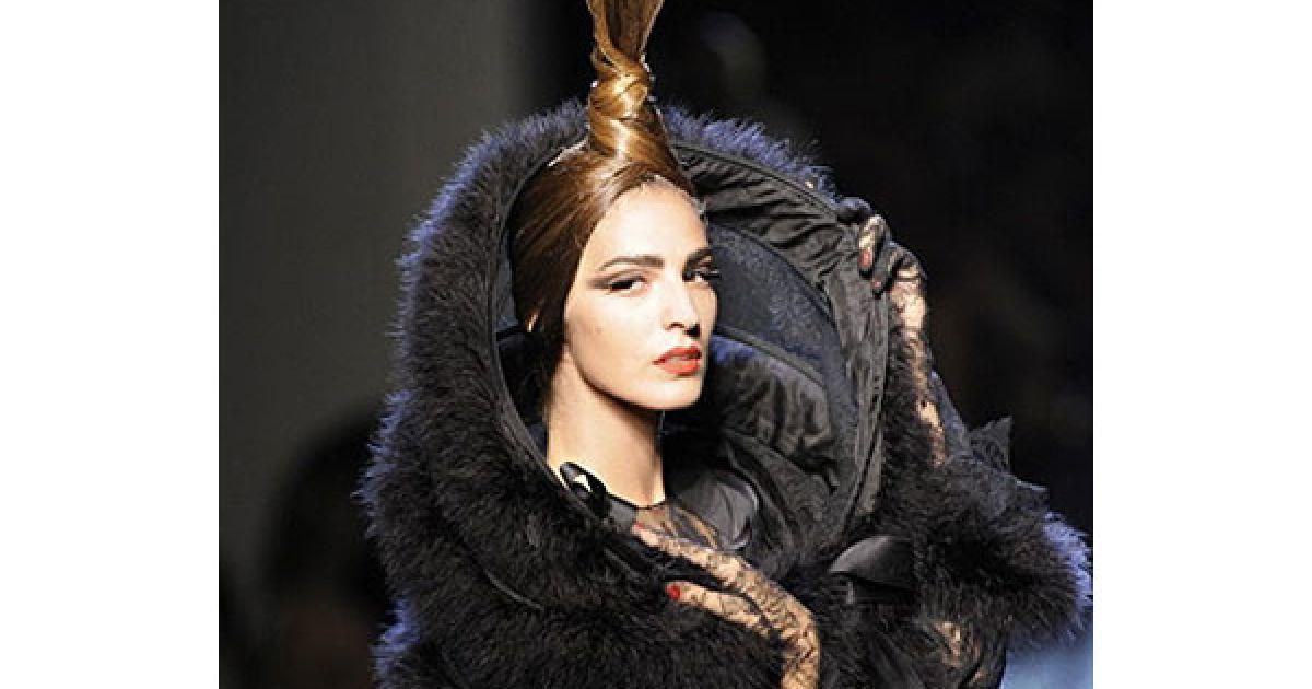 Показ колекції Жан-Поля Готьє сезону осінь-зима 2010/2011 на Тижні високої моди у Парижі @ AFP