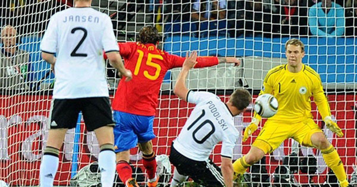 Серхіо Рамос атакує ворота Німеччини @ AFP