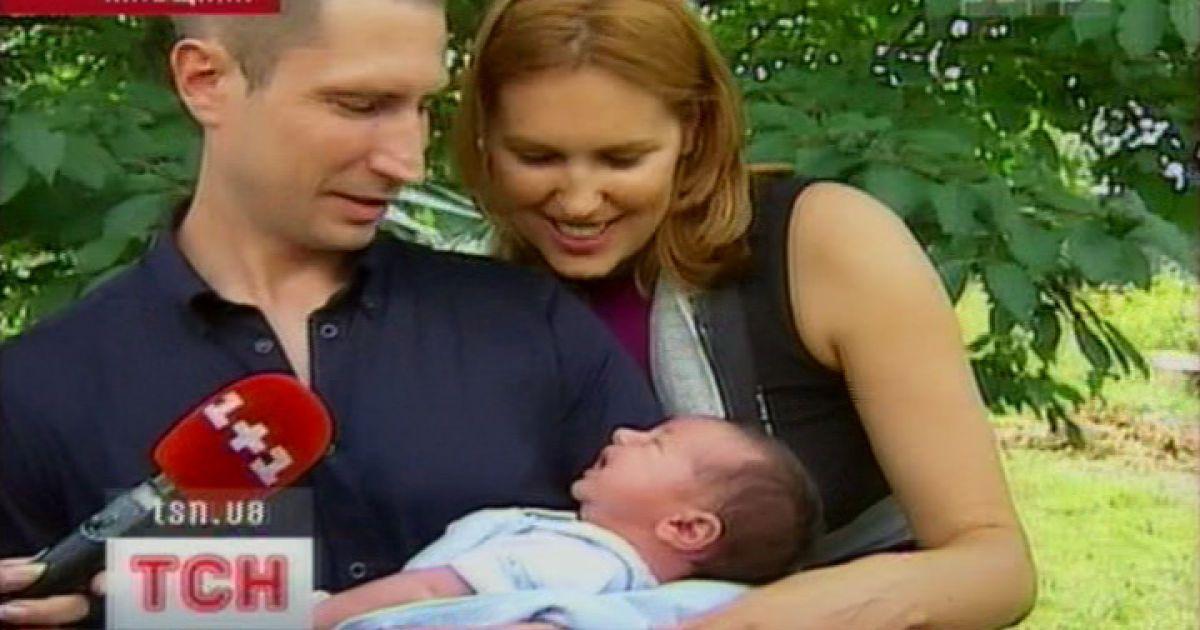 Яна Клочкова с сыном Александром и кумом Денисом Силантьевым