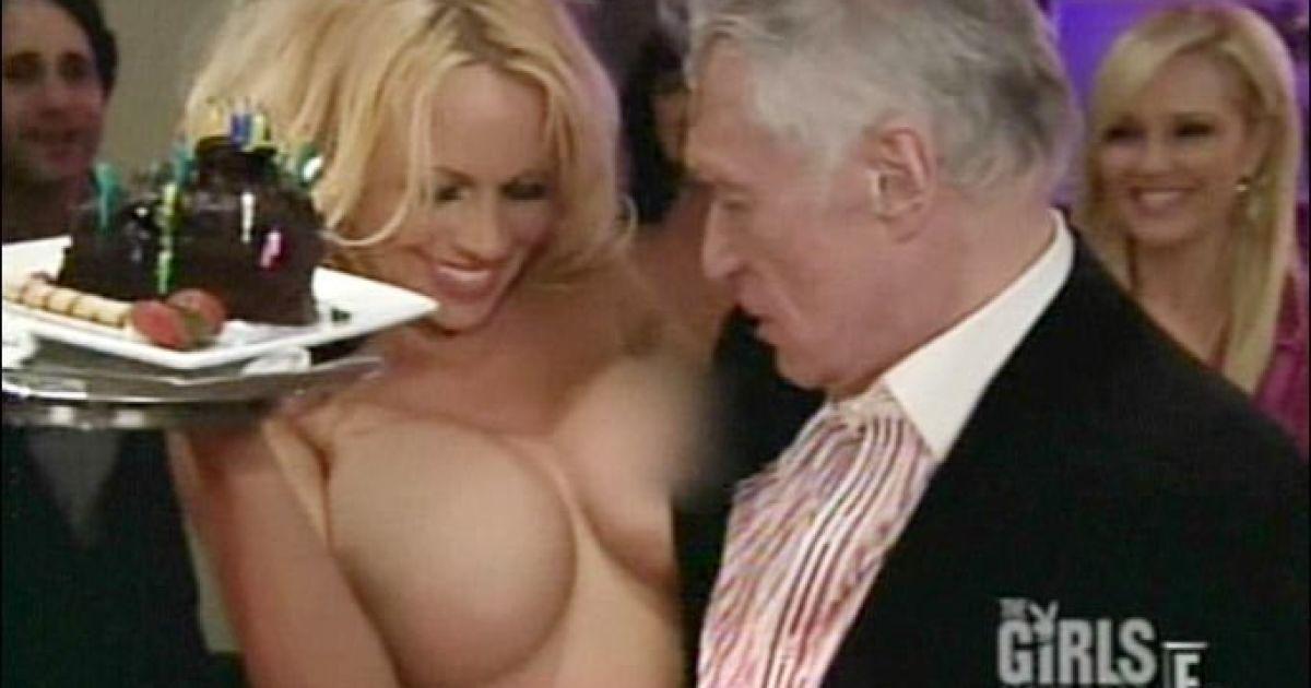Pamela anderson naked hugh hefner video — img 8