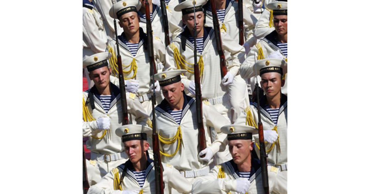 У Севастополі відбулася репетиція щорічного параду до Дня ВМФ РФ. @ PHL.com.ua