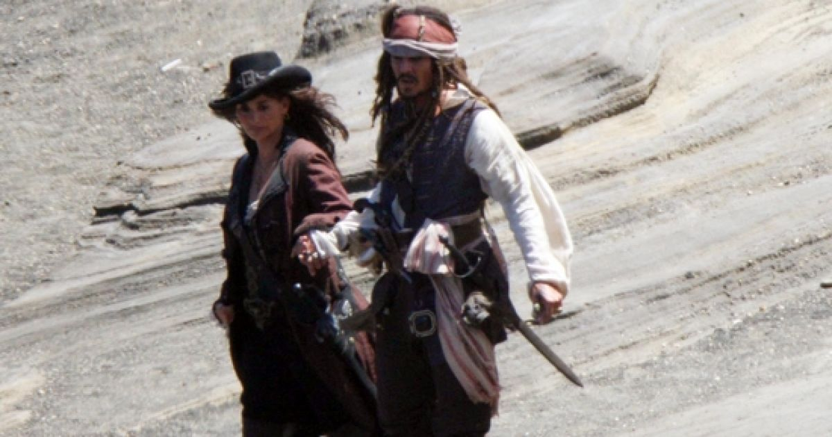 """Кадр з фільму """"Пірати Карибського моря"""" @ People.com"""