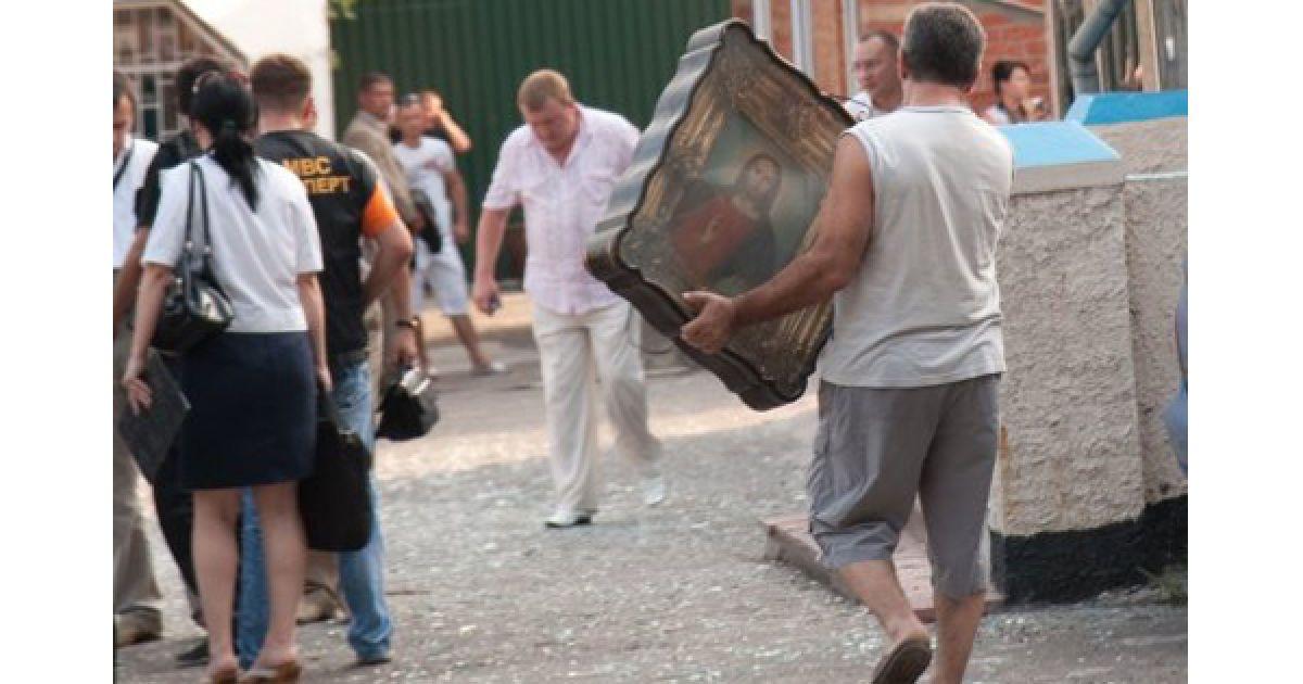 Міліція обіцяє оприлюднити перші версії вибуху у храмі 29 липня. @ УНІАН