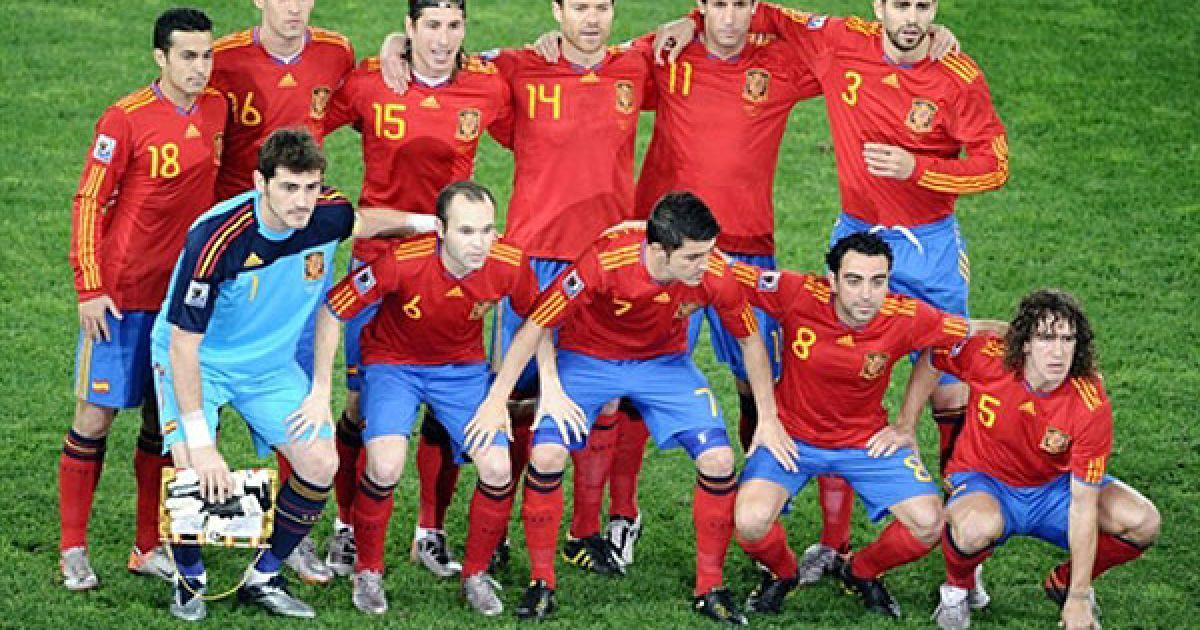 Передматчеве фото збірної Іспанії @ AFP