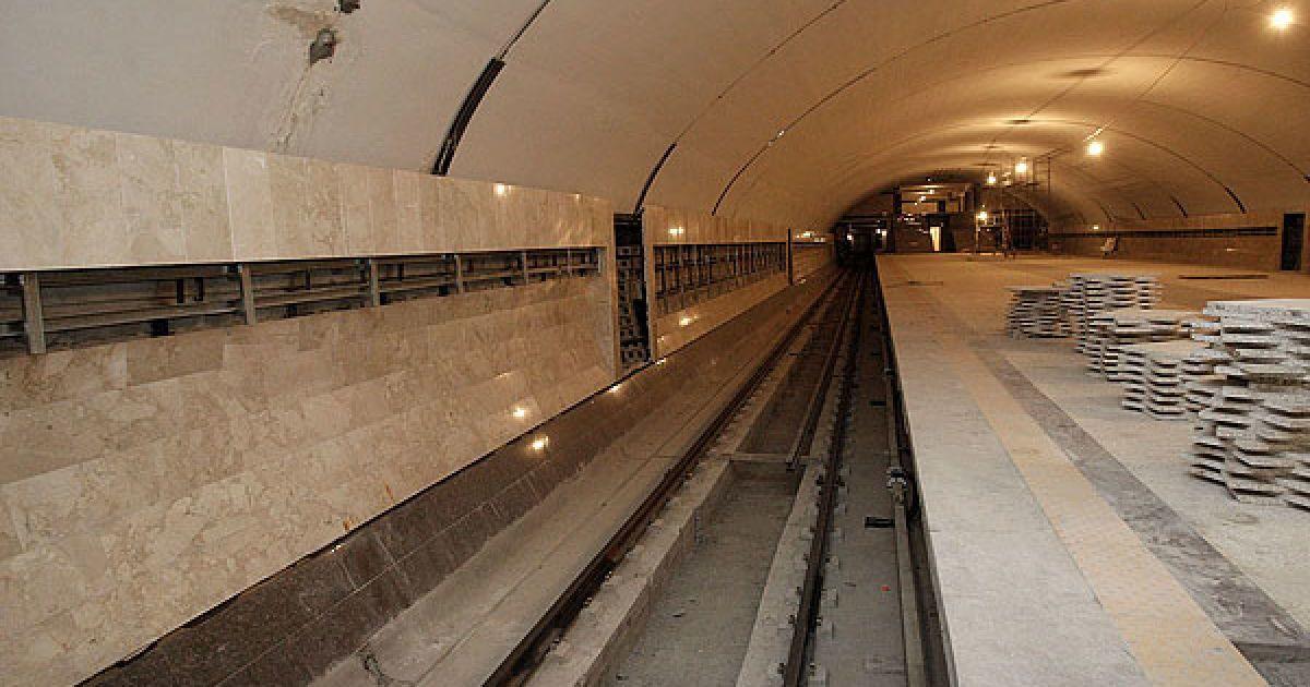 Попов додав, що новий рухомий склад для повного обслуговування Куренівсько-Червоноармійської лінії метрополітен отримає завдяки як українському виробнику, так і російському. @ КМДА