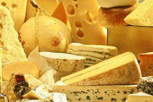 Сир в Україні подорожчає до 100 гривень за кілограм