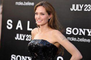 Роскошная Анджелина Джоли станет Клеопатрой