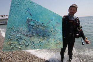 Киянин намалював на дні Чорного моря найбільшу підводну картину
