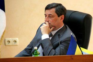 Одесский губернатор застрял в лифте дома для ветеранов