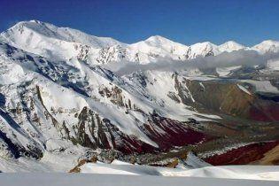 Украинские альпинисты без еды и связи застряли на высоте 4600 м на Памире