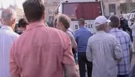 В Москве разогнали митинг. Среди задержанных - Немцов