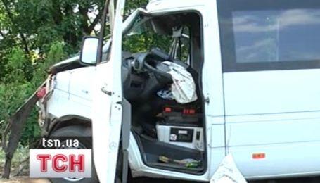 Под Донецком маршрутка врезалась в КАМАЗ