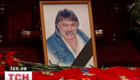 Николая Мозгового похоронили возле Леонида Быкова