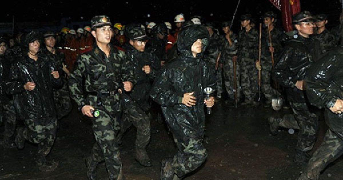 У район лиха місцевий уряд направив групу рятувальників. @ AFP