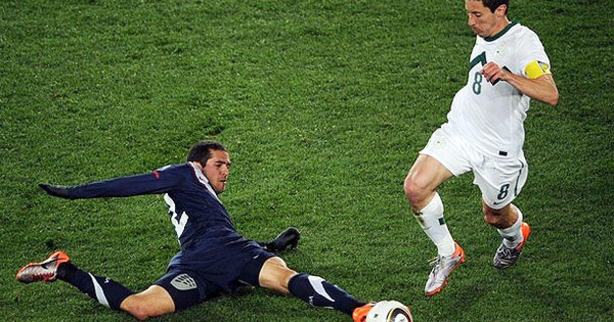 Корен бореться за м'яч із Борнстейном @ Getty Images/Fotobank
