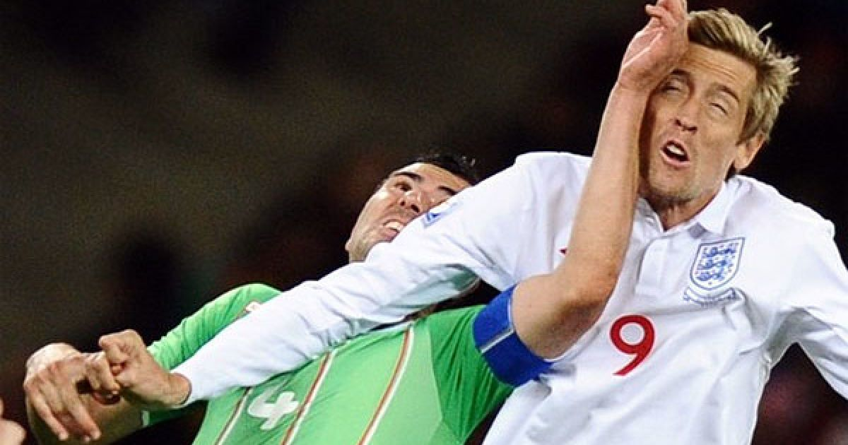 Яхія та Крауч у польоті за м'ячем @ Getty Images/Fotobank