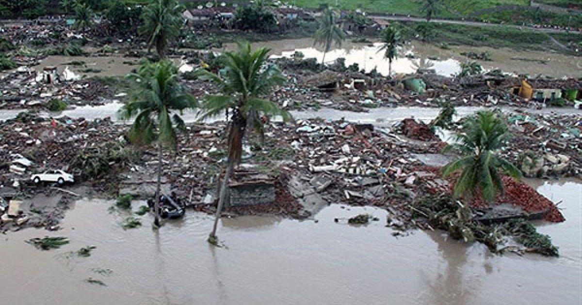 Потужні зливи спричинили повінь і зсуви у північно-східних регіонах Бразилії @ AFP