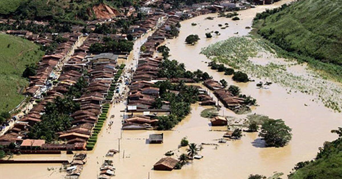 Губернатор північно-східного бразильського штату Алагоас Теутоніо Вілела Фільо висловив побоювання, що найближчим часом кількість загиблих може істотно зрости. @ AFP