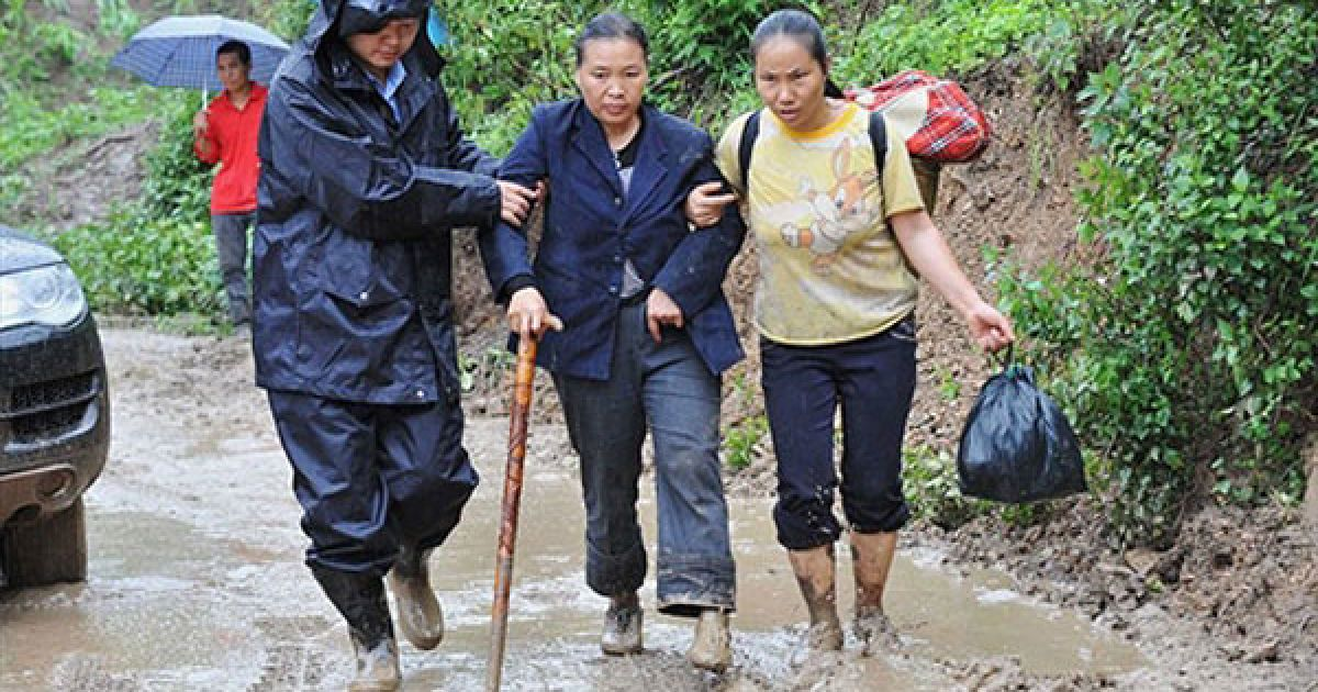 Повідомляється лише про те, що близько 150 людей перебувають під завалами. @ AFP