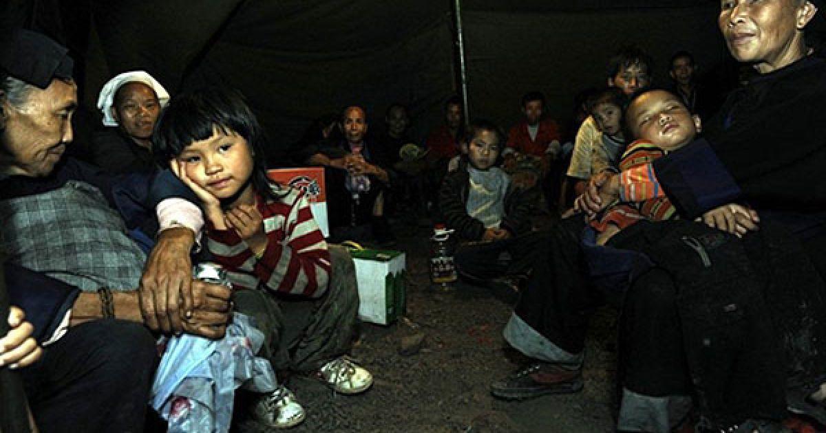Повідомляється про те, що близько 150 людей перебувають під завалами. @ AFP