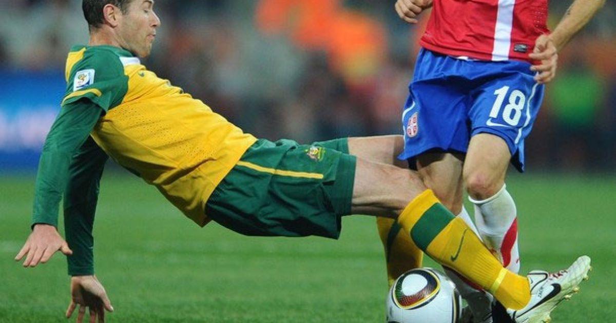 Емертон і ноги Нінковіча @ Getty Images/Fotobank