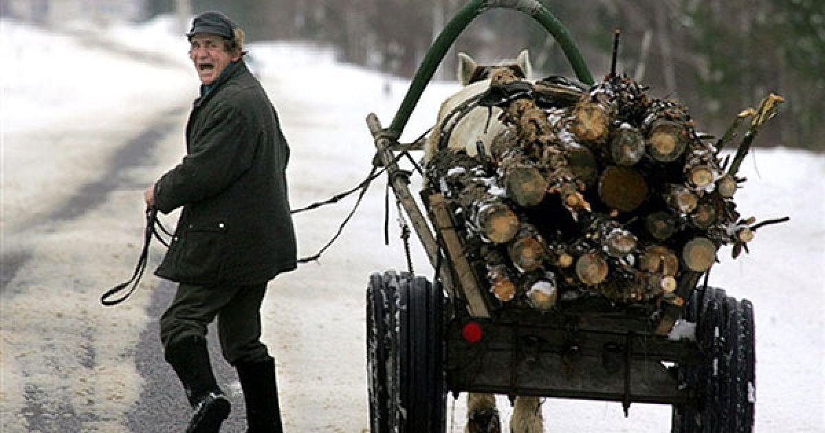 """Ще під час евакуації частина місцевого населення просто зникла з евакуаційних пунктів. Через кілька тижнів до чорнобильської зони відчуження почали повертатись перші """"самосели"""". @ AFP"""