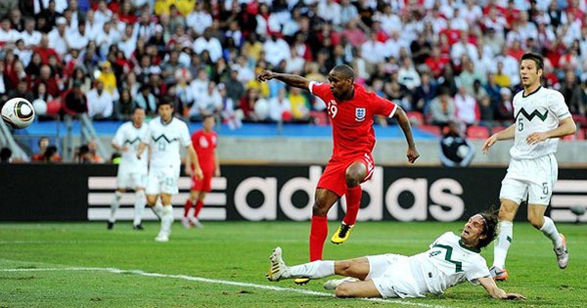 На 22-й хвилині Дефо виграв боротьбу у захисника і з кількох метрів проштовхнув м'яч у ворота. @ AFP