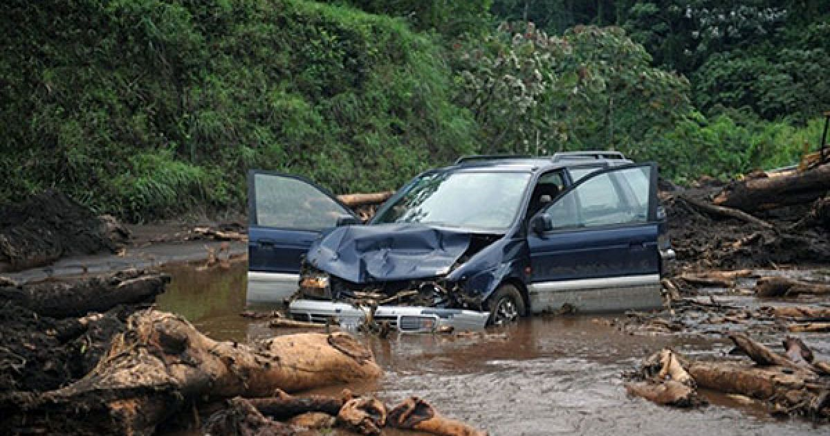 Швидкість поривів вітру, які супроводжують шторм, досягає 80 кілометрів на годину, його супроводжують проливні дощі. @ AFP