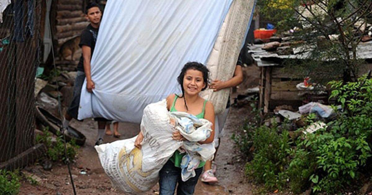 Тисячі людей змушені залишити свої домівки через стихійне лихо у Центральній Америці. @ AFP