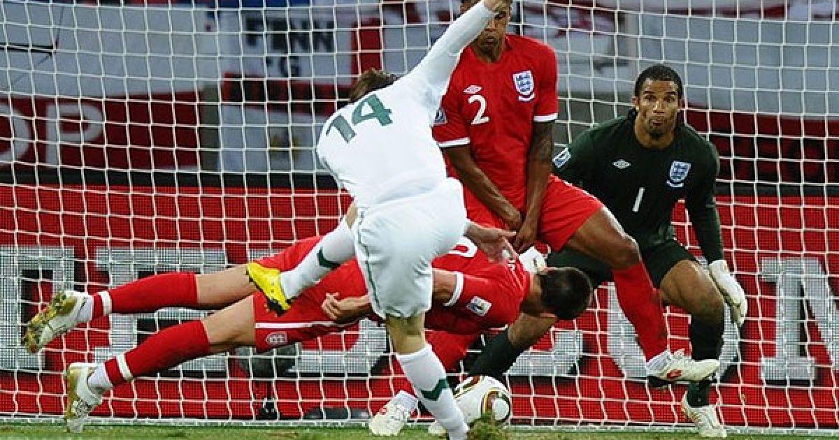 Дедіч атакує ворота англійців. @ AFP
